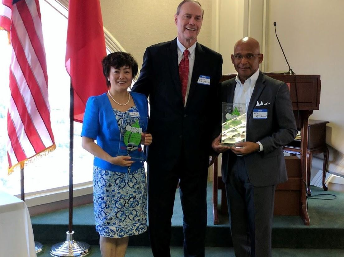 BYD and Long Beach Transit Receive Inaugural CleanTech Award from Long Beach – Qingdao Sister City Association